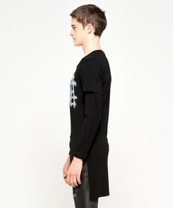 SPRAY LOGO LAYERED L/TEE [BLACK]